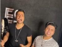 """بالفيديو.. عمر كمال ينشر فيديو تسجيل أغنية """"هنعمل لغبطيطا"""" مع حسن شاكوش"""