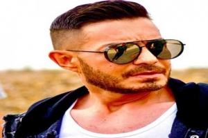 """أحمد زاهر يرد على منتقدي فيلمه """"زنزانة 7"""""""