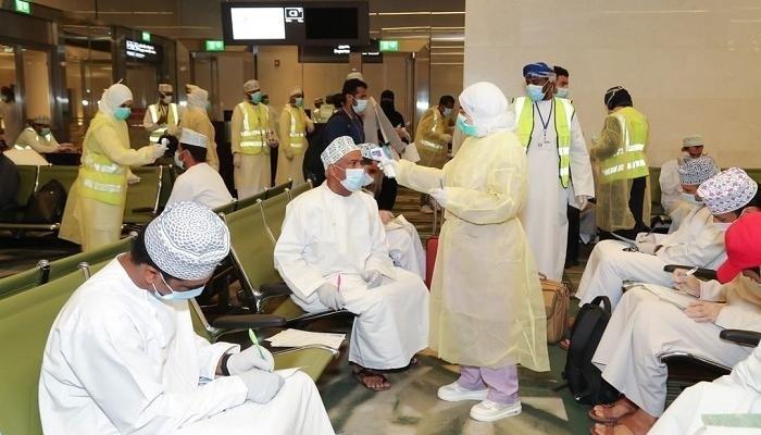 سلطنة عمان تسجل 585 إصابة جديدة بكورونا