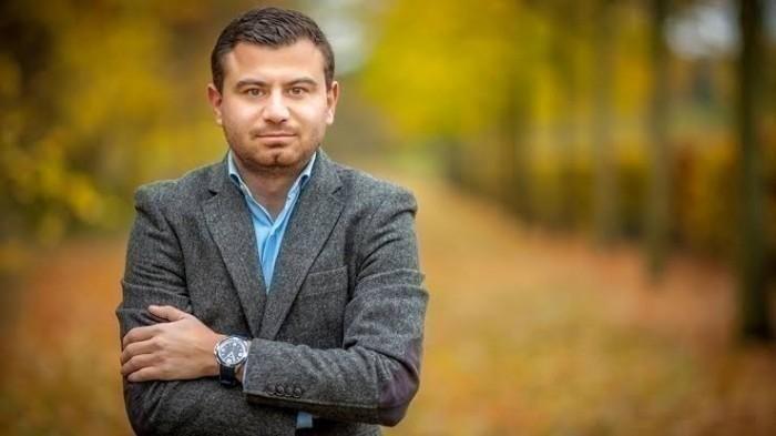 صحفي يوجه رسالة هامة إلى الإرهابي حسن نصرالله