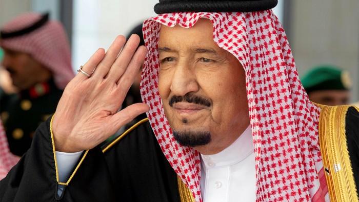 بخاري: الملك سلمان حريص على مساعدة شعب لبنان