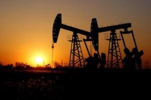 برنت دون 45 دولاراً.. النفط يتأثر سلباً بحالة الارتباك الاقتصادي