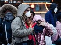 باريس تجبر المواطنين على ارتداء الكمامة أو الغرامة والحبس