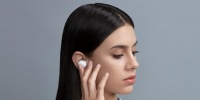 أوبو تزيح الستار عن سماعتها اللاسلكية Enco W11 الجديدة