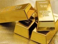 تراجع أسعار الذهب تأثرًا بمكاسب الدولار الأمريكي