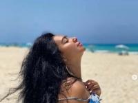 ميريهان حسين على شاطئ البحر في أحدث ظهور (صور)