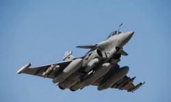 فرنسا تنشر طائرتين رافال لتعزيز وجودها في المتوسط 