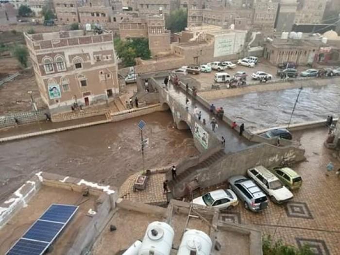 المساعدات الدولية لضحايا السيول.. العالم يداوي جراح الإهمال الحوثي