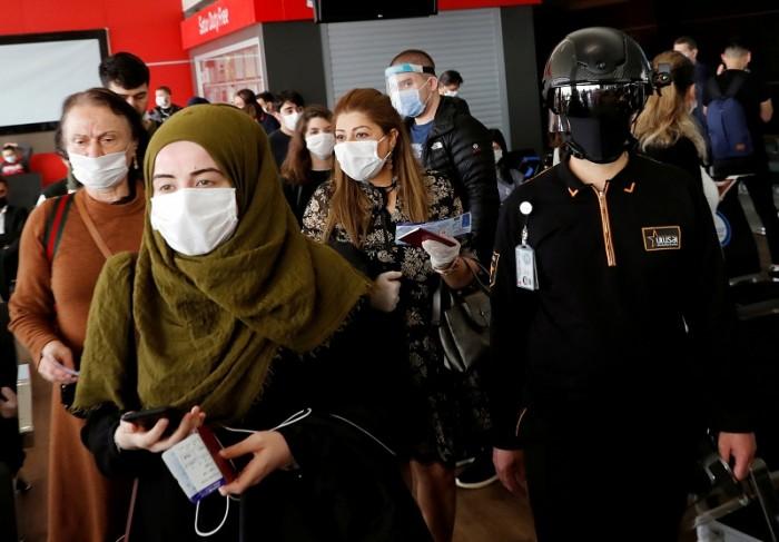 تركيا تسجل 1192 إصابة جديدة بفيروس كورونا