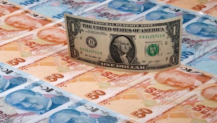 الليرة التركية تهبط لمستوى قياسي مقابل الدولار