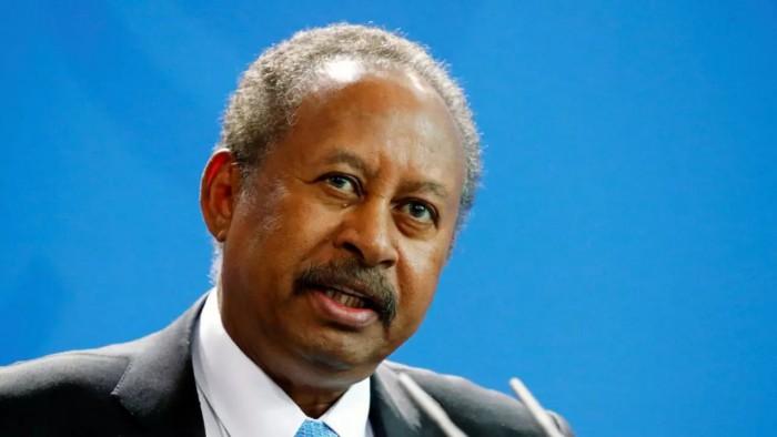 حمدوك يطالب بومبيو بالفصل بين العلاقة مع إسرائيل وإزالة السودان من قائمة الإرهاب
