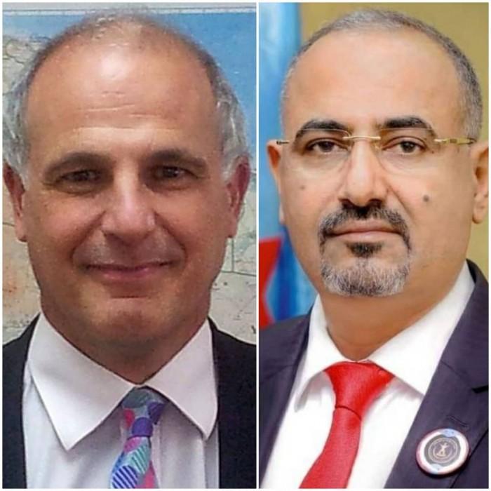 الزُبيدي للسفير البريطاني: الشرعية تواصل خروقاتها وتمارس العقاب الجماعي