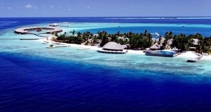 جزيرة تستقبل السياح المتعافين من فيروس كورونا