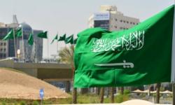 أمر ملكي سعودي بإحالة قائد القوات المشتركة للتقاعد والتحقيق في قضايا فساد