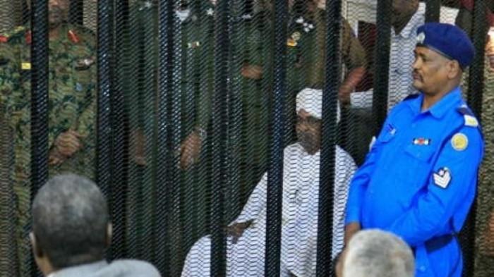 بدء جلسة محاكمة البشير و27 آخرين بقضية انقلاب عام 89