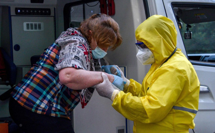 أمريكا تسجل 44,671 إصابة جديدة بكورونا و1,081 وفاة