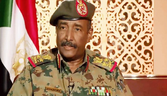 رئيس المجلس السيادي السوداني يصل إريتريا في زيارة رسمية