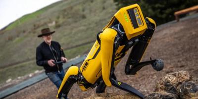 بوسطن ديناميكس تطرح روبوتها المتطور Spot  