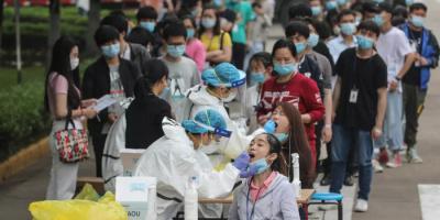 """الصين تتباهى بنجاح اجتيازها """"اختباراً تاريخياً واستثنائياً""""  ضد كورونا"""