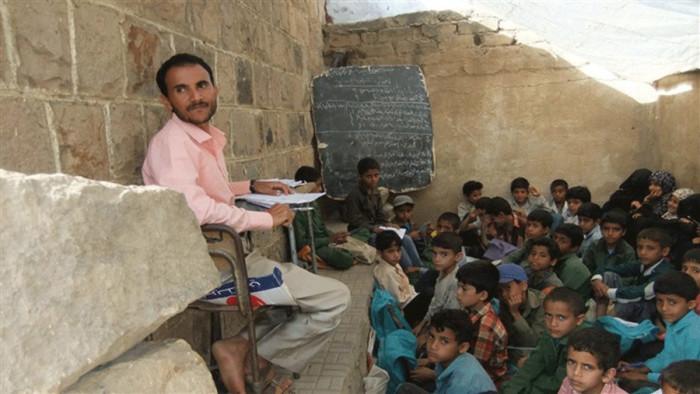 حوثنة التعليم.. كيف تغرز المليشيات بذور طائفيتها؟