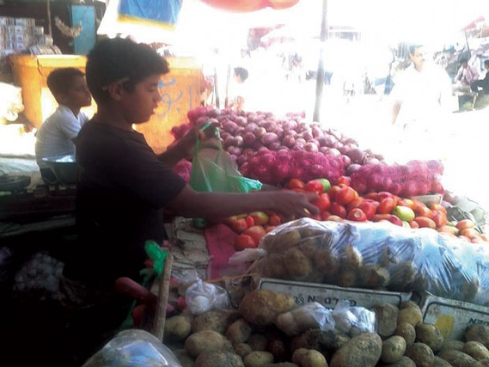"""""""تجارة ردفان"""" يتحرك لمجابهة احتكار موردي الخضروات"""