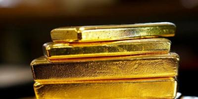 الذهب يواصل رحلة صعوده مدعوماً بضعف الدولار