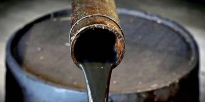 مخاوف ضعف الطلب تهبط بأسعار النفط