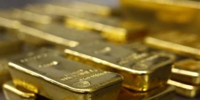 التوقعات الإيجابية للمركزي الأمريكي تدفع الدولار للصعود والذهب للهبوط