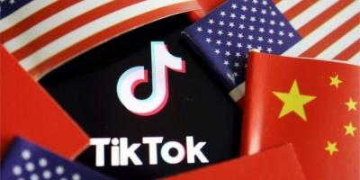 """الصين تهدد بالرد على حظر تطبيقي """"تيك توك"""" و""""وي تشات"""""""