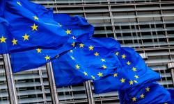 الاتحاد الأوروبي يفرض عقوبات على 3 شركات خرقت حظر الأسلحة على ليبيا