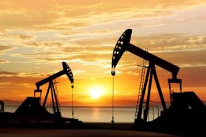 أسعار النفط تشهد انخفاضًا تأثرًا بعودة إنتاج النفط الليبي