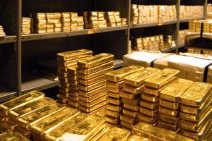 ارتفاع أسعار الذهب تأثرًا بهبوط الدولار