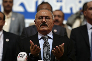 """عبدالله صالح و""""القاعدة"""" نسقا هجمات إرهابية في اليمن"""