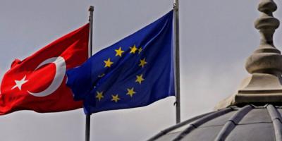 تركيا تنتقد عقوبات الاتحاد الأوروبي على شركات لانتهاكها حظر الأسلحة المفروض على ليبيا