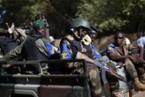 مسلحون مجهولون يعتدون على مركز شرطة في بوركينا فاسو