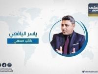 """اليافعي يعلق على صفقة الحوثي مع """" الأحمر"""""""