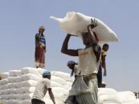 برامج الإغاثة الأممية في اليمن.. تهديدات تنذر بتفاقم المأساة