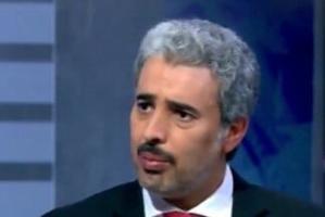 الأسلمي مُهاجمًا الأحمر: حوثي في جلد شرعي.. وكل طلباته أوامر رغم رعايته للإرهاب