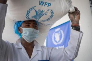 """""""الغذاء العالمي"""": نفاد الاحتياطي النقدي يهدد بعجز في السلع"""