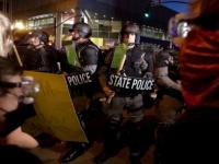 إصابة شرطيين في احتجاجات بولاية كنتاكي الأمريكية
