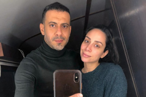 على طريقة محمد منير.. محمد فراج يبعث رسالة رومانسية لخطيبته بسنت شوقي