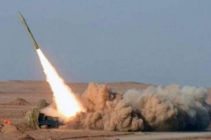 سقوط صاروخ حوثي على مأرب