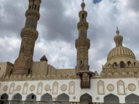 مصر تُعلن إعادة فتح 27 مسجدًا للصلاة الجمعة المقبلة