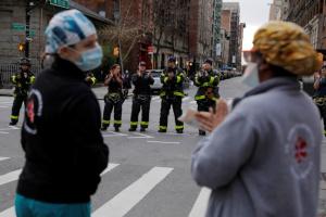 ولاية نيويورك تسجل ارتفاعًا جديدًا في إصابات كورونا