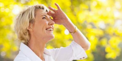 نصائح طبية لكبار السن بالتعرض لأشعة الشمس يوميا