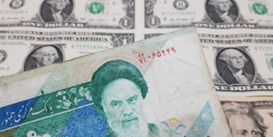 البنك المركزي الإيراني يواصل تعاميه عن حقيقة تدهور العملة