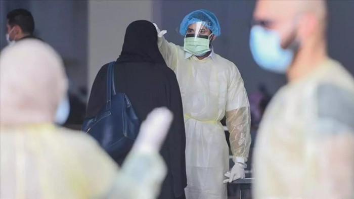 الإمارات تسجل 851 إصابة جديدة بكورونا ووفاة واحدة