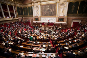 برلمان أذربيجان يقر الأحكام العرفية وحظر التجول