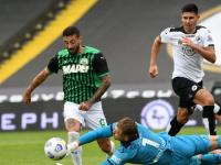 ساسولو يسحق سبيزيا بالأربعة وفيرونا يتصدر الدوري الإيطالي