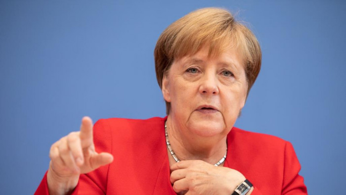 ألمانيا تقيد حجم التجمعات وتحذّر المستهترين من كورونا